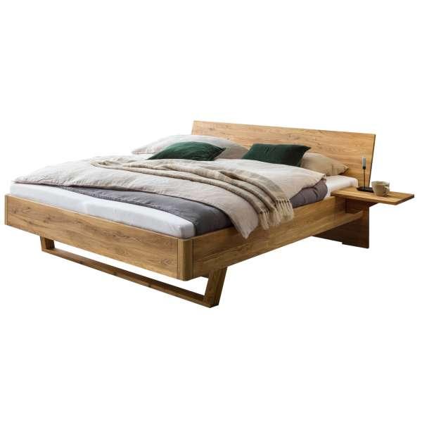 Bed Box Massivholz Bettrahmen Concept Line 300, Wildeiche geölt, mit Kopfteil und Nachtkonsolen