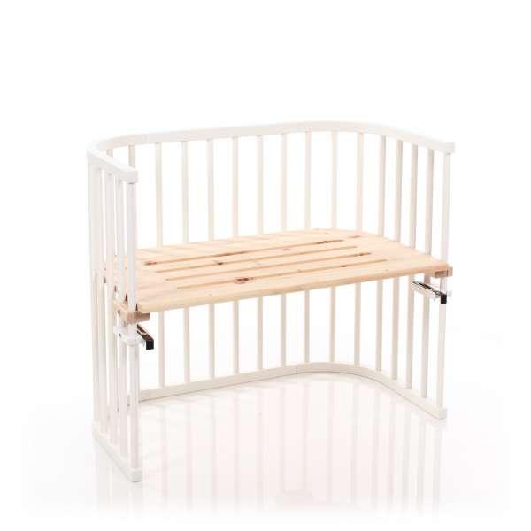babybay Maxi Beistellbett, weiß lackiert mit Liegefläche aus Zirbelkiefer